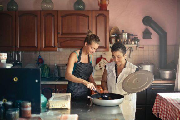 Cocinero/a Tradicional especializado en La Cocina de la Abuela